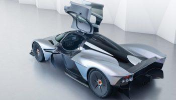 Aston-Martin-Valkyrie-scissor-door