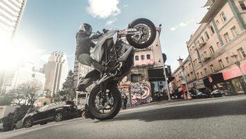 Wheelie-motorbike