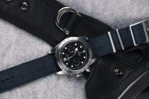M79350-0003-black-fabric-blue-jeans-AMB