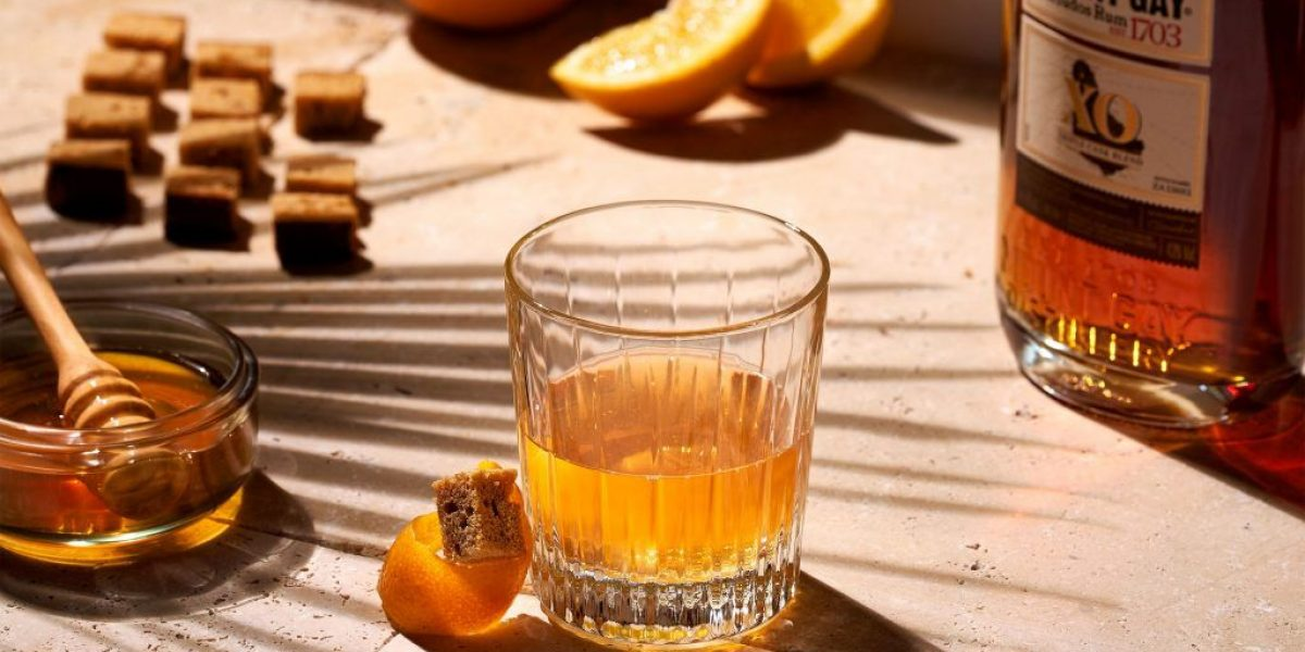 Mount Gay-Photo-MOUNT GAY - HONEY OLD FASHIONED WINTER - close-up-OS (2)