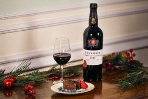 Taylor's LBV 2015 with chocolate desert - christmas (1)