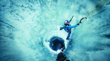 nadine-wallner-ice-climbing